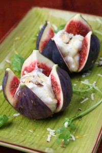 SowWhat-FRESH-FIGS-STUFFED-WITH-GOAT-CHEESE-AND-DRIZZLED-WITH-APPLE-WHITE-GRAPE-JUICE-REDUCTION